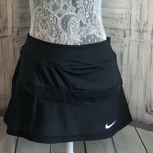 Nike Court Tennis skort black and white